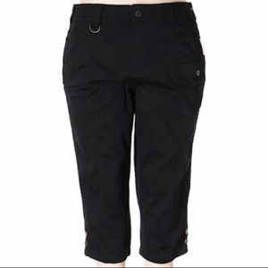 NWT Style & Co Black Cargo Mid Rise Capris